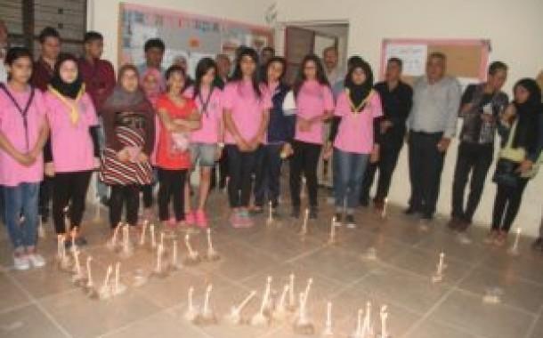 ناشط تنظم  وقفة  تضامنية  مع اهالي  مخيم اليرموك
