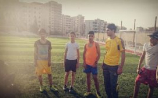 البدء بتدريبات فريق ناشط لكرة القدم
