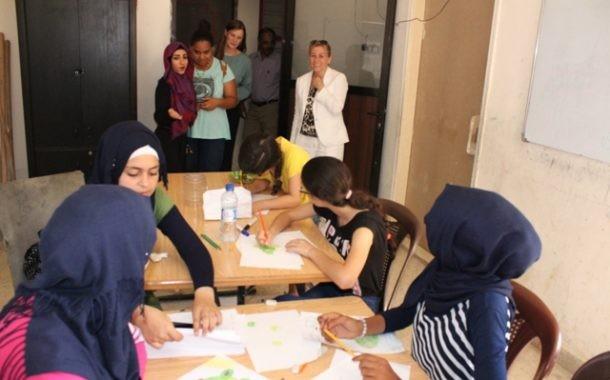 نادي بنات فلسطين في جمعية ناشط يستضيف سفيرة النروج