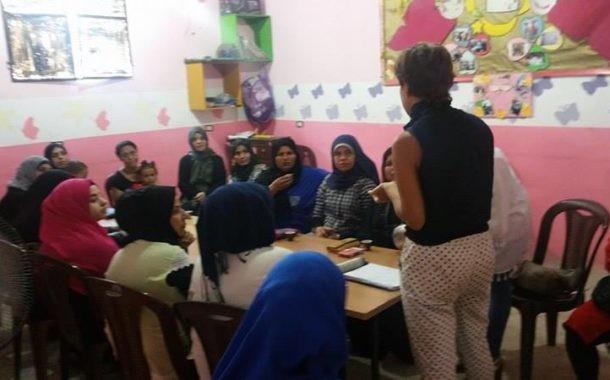 أهالي منتسبات نادي بنات فلسطين يتحمسن لمشروع التعاونيات النسائية