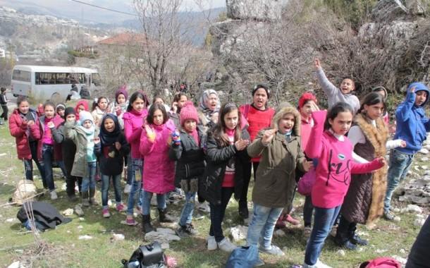 نادي بنات فلسطين ينظم رحلة الى سلسلة جبال لبنان الغربية